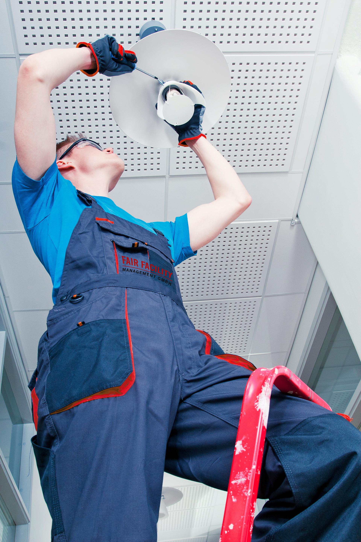 Gebäude- und Hausmeisterdienste