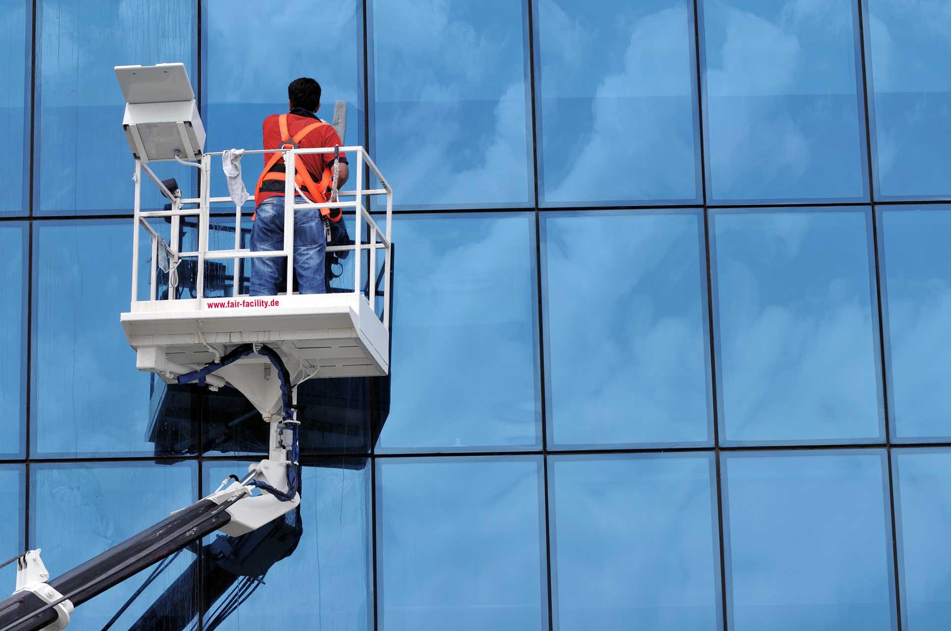 Glas-und-Fassadenreinigung